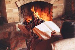 Genlæsning af bog ved juletid