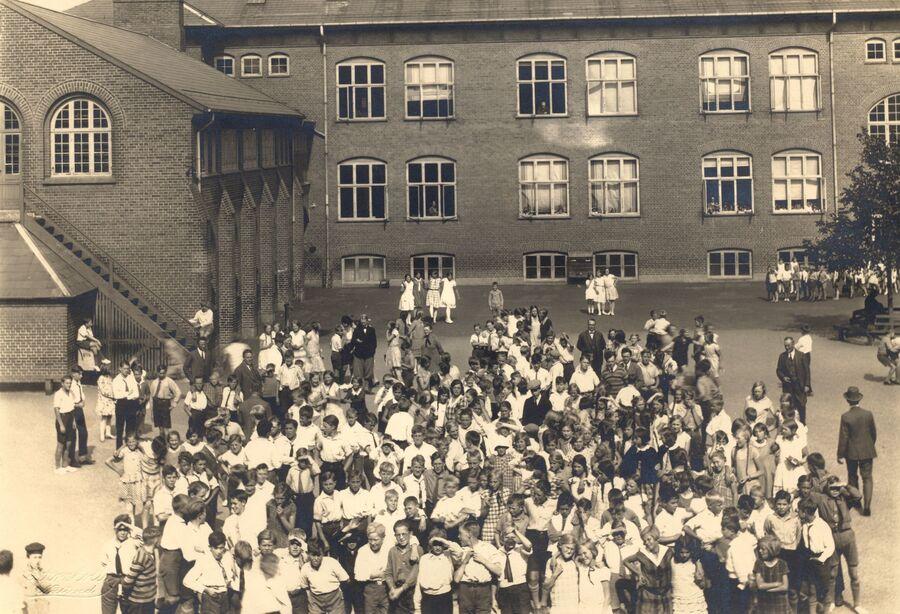 Billede fra en skole i 1830