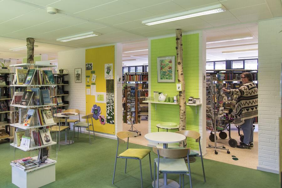 Foto inde fra Fuglebjerg Bibliotek